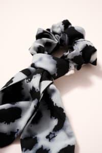 Leopard Print Scarf Pony - Blue - Back