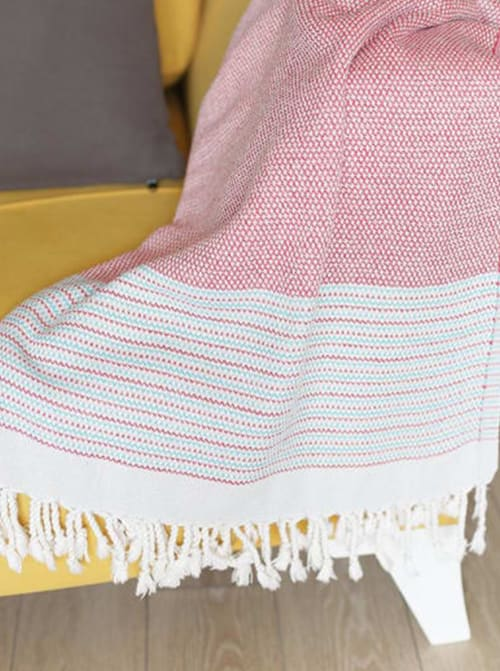 """70"""" Handwoven Throw Blankets in Red - Back"""