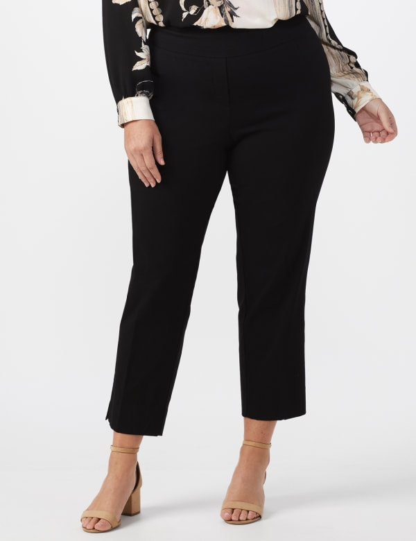Plus - L-Pocket Pull-On Crop Pants - Black - Front
