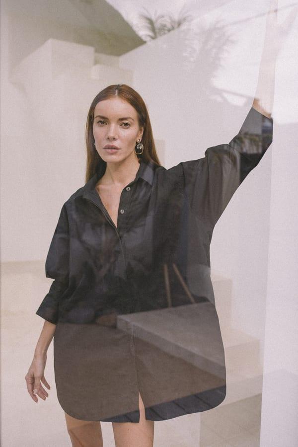 Effortless Oversized Shirt - Black - Front