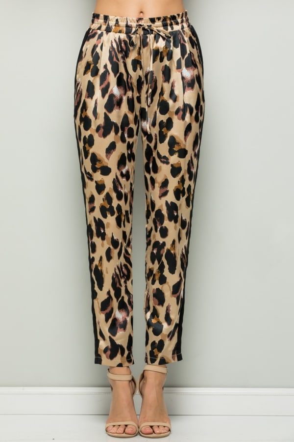 Contrast Statement Pants with Leopard Print
