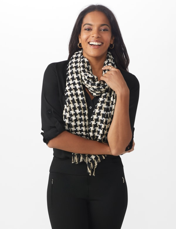 Metallic Houndstooth Wrap