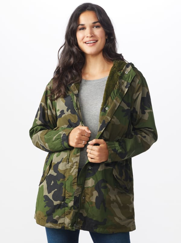 Long Nylon Anorak with Faux Fur Lining - Dark green camo - Front