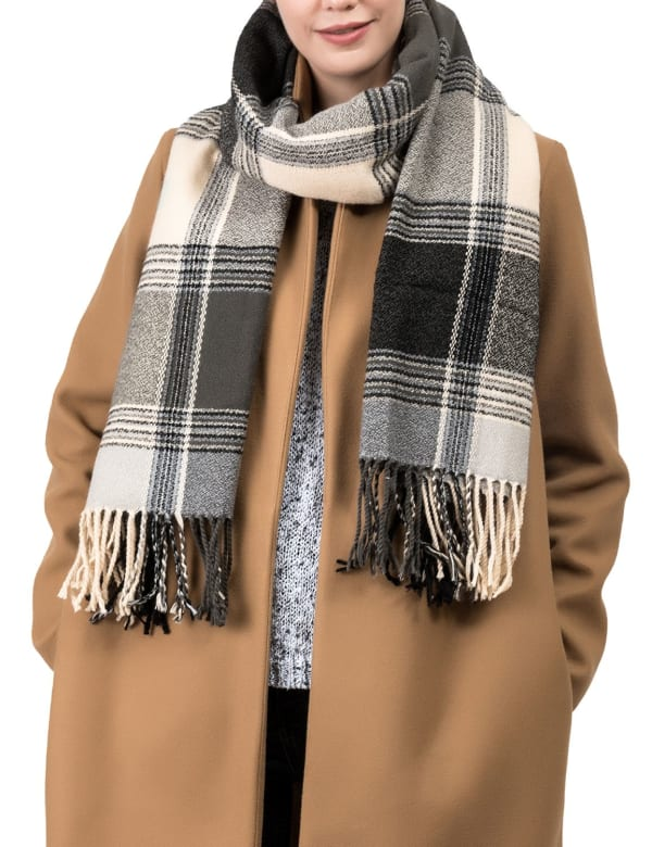 Plaid Scarf with Tassels - Black / Grey - Front