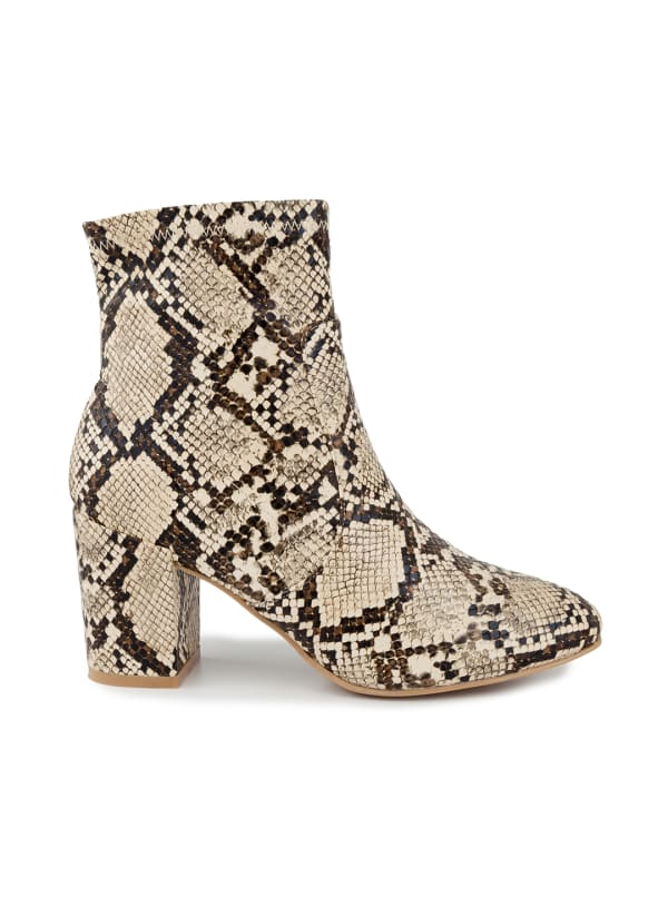 Itsie Stretch Ankle Boots