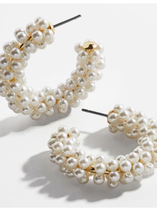 Anya Pearl Earrings