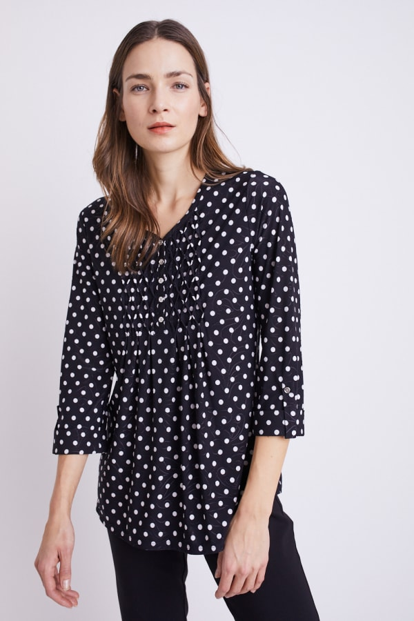 Roz & Ali Jacquard Dot Knit Popover - Black/Ivory - Front