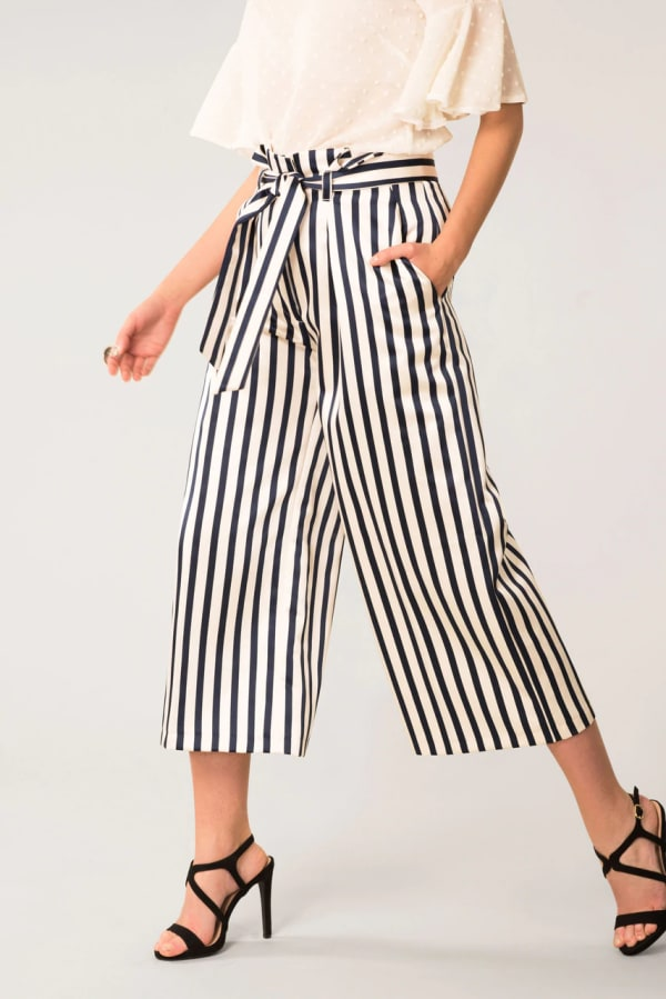 Black & White Stripes Bow Tie Crop Pants