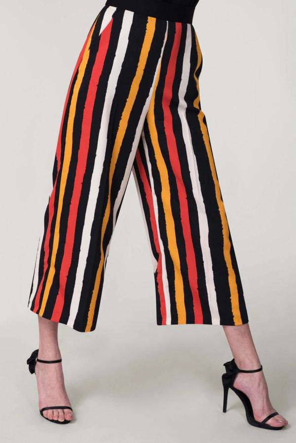 Black Stripes Crop Leg Pants