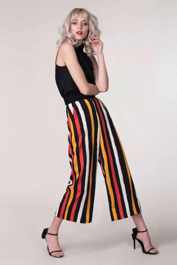 Black Stripes Crop Leg Pants - Black - Front