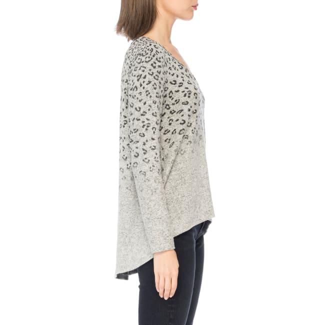 Long Sleeve V-neck Pleat Back Top