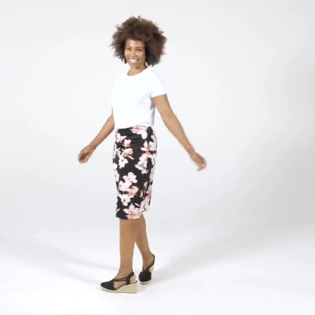 Floral print scuba crepe skirt - Video