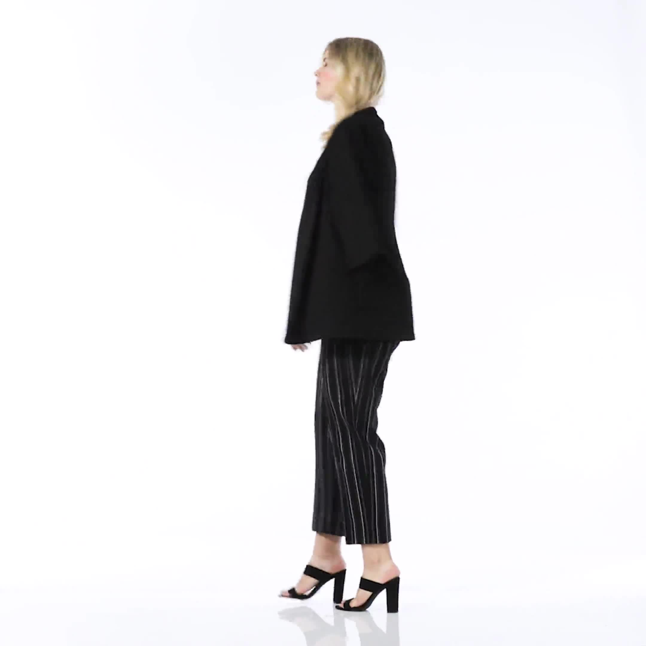 Plus Pull on Stripe millenium ankle pant - Plus - Video
