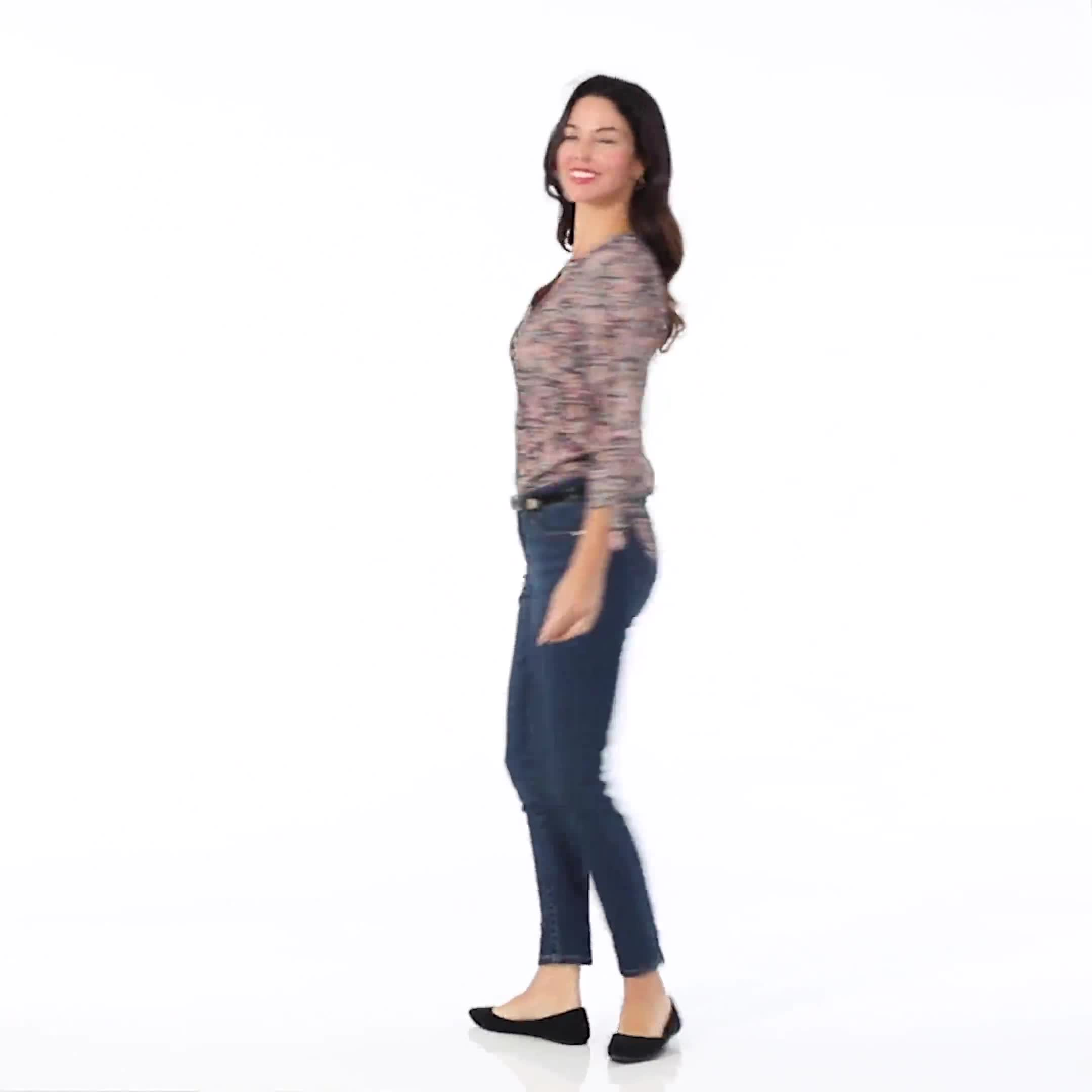 Roz & Ali Floral Pintuck Popover - Video