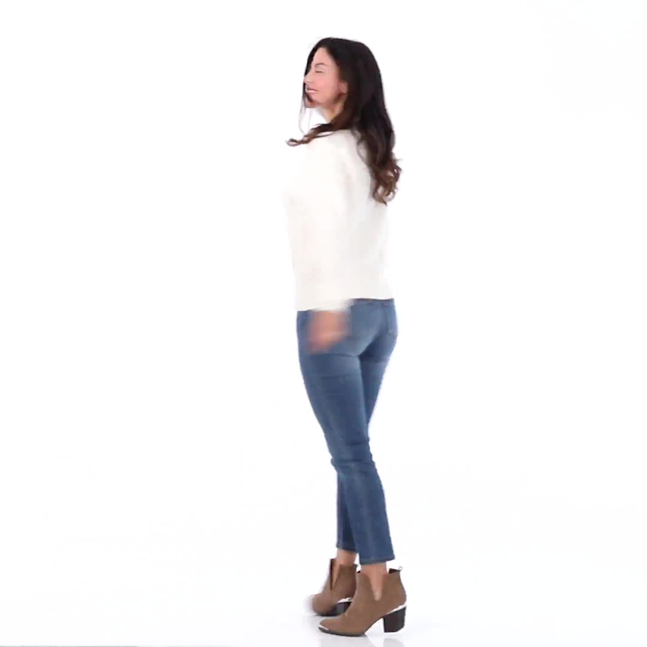 Roz & Ali Funnel Neck Cable Sweater - Video