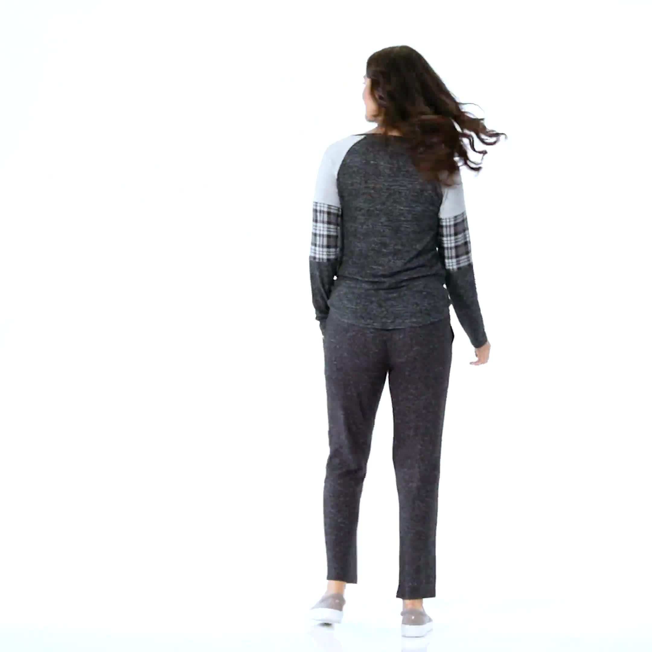 Westport Hacci Sweater Knit Twist Front Top - Video