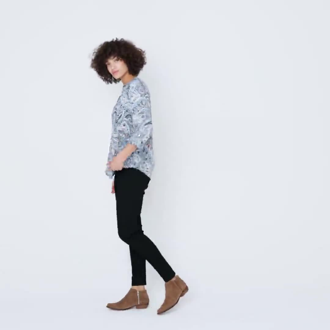 Roz & Ali Denim Paisley Pintuck Popover - Video