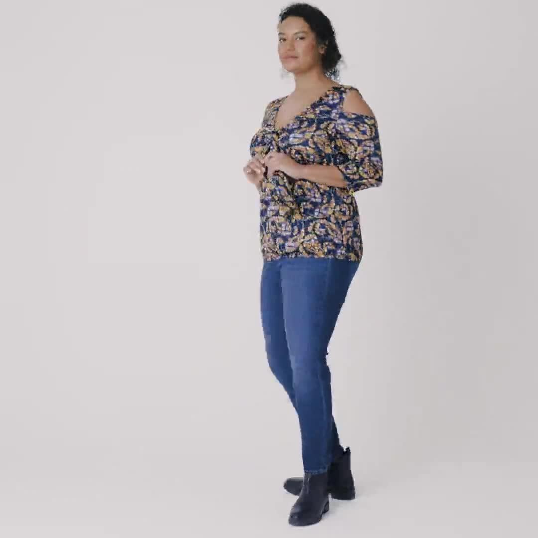Roz & Ali Floral Paisley Cold Shoulder Knit Top - Plus - Video