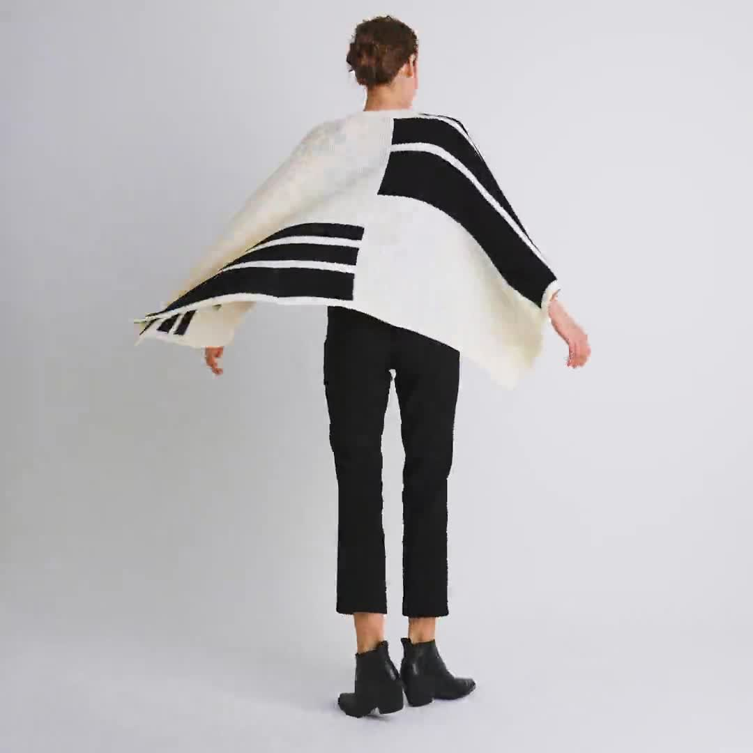 Roz & Ali Colorblock Open Front Sweater Poncho - Video