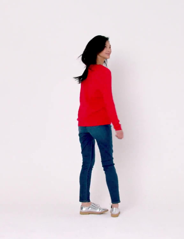 Roz & Ali Textured Scallop Trim Pullover Sweater - Video