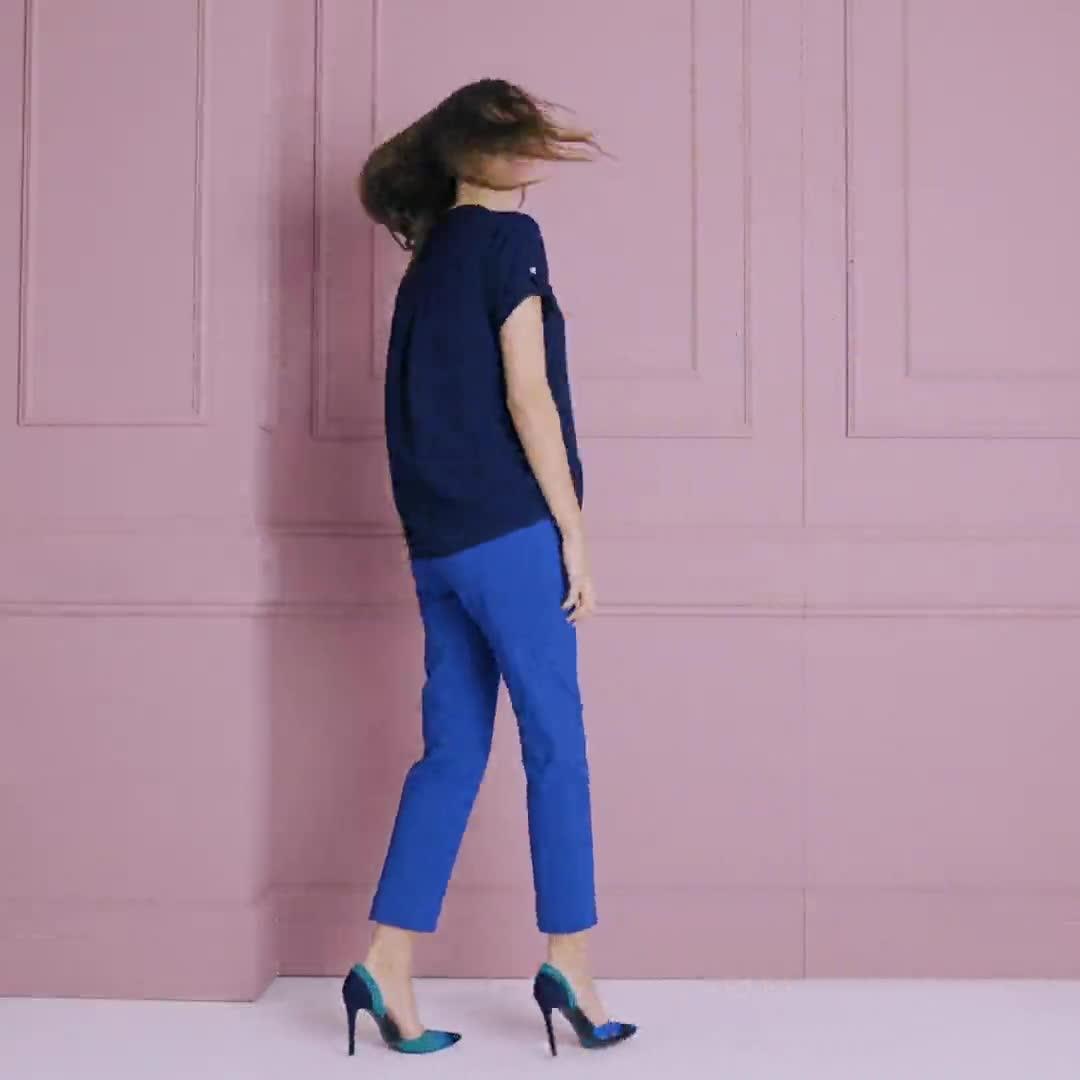Roz & Ali  Short Sleeve Side Tie Popover Blouse - Misses - Video