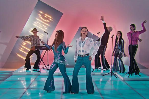Стало известно, как группа Little Big снимала клип на песню Uno