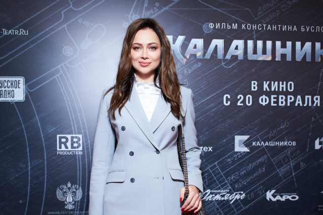 Настасья Самбурская, Александра Савельева и Кирилл Сафонов на премьере фильма «Калашников»