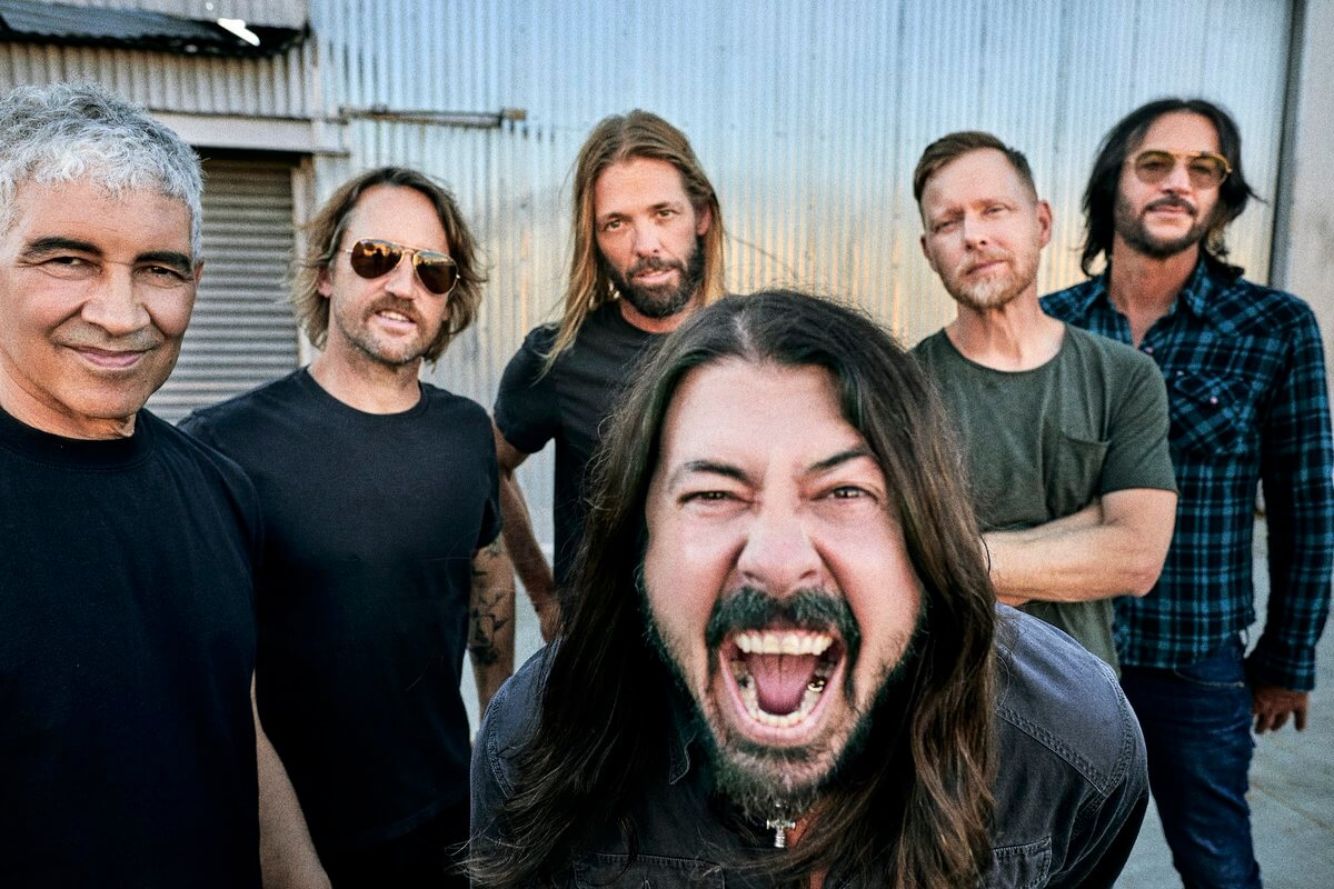 """Foo Fighters - """"You Should Be Dancing"""" - 01"""