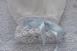 Blue Bird Sleeve Tatting Detail