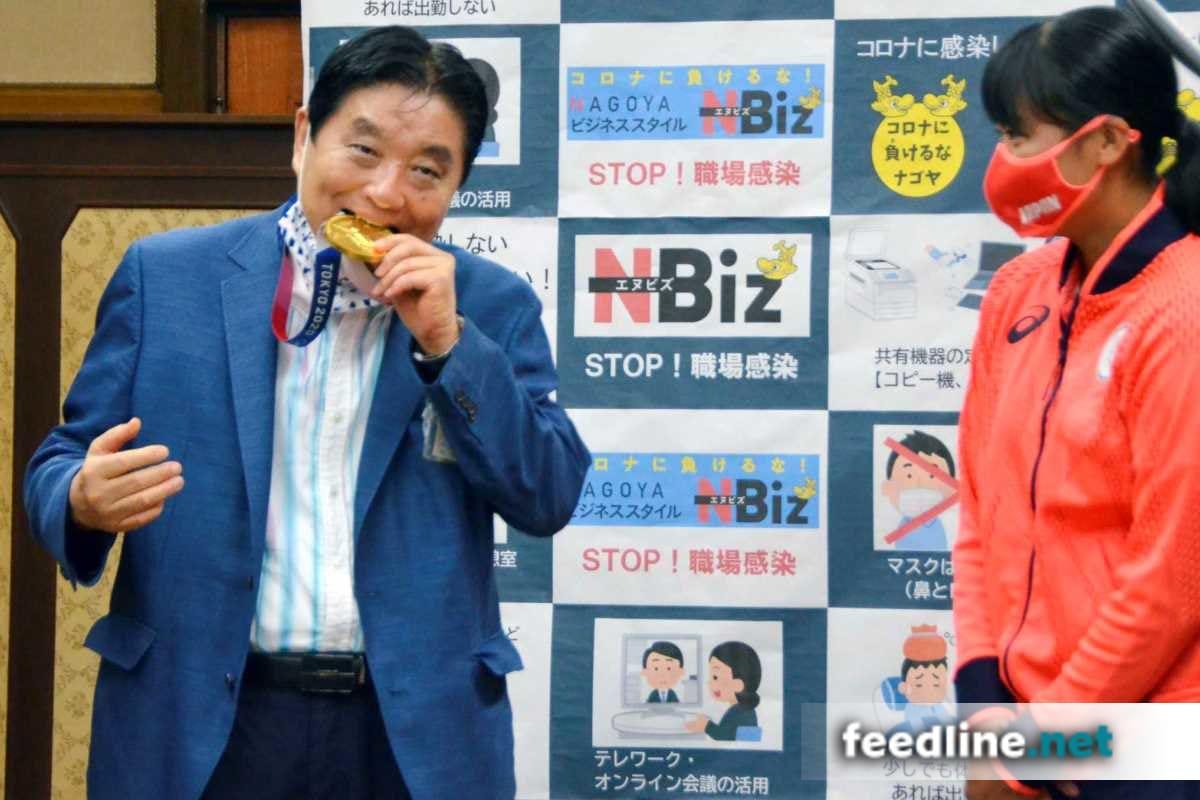 Olimpiya medalını dişləyən mer koronavirusa yoluxdu
