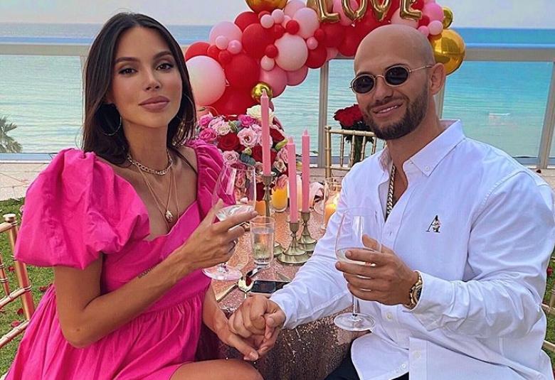«Красивые яйца»: Оксана Самойлова заинтриговала видеороликом с неизвестным мужчиной
