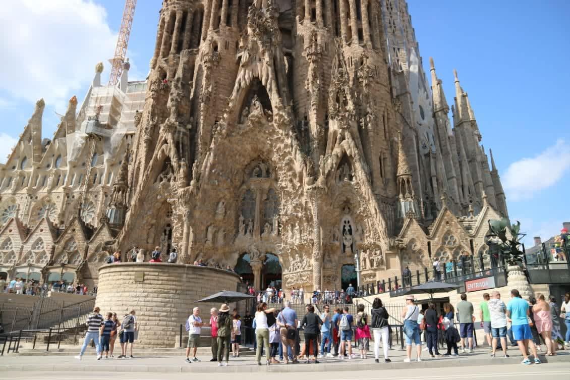 Sagrada Familia Guided Tour: Skip The Line & Tower Access
