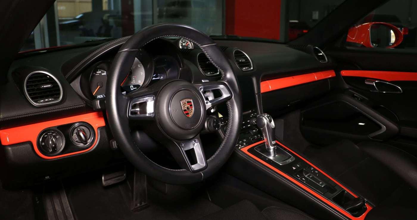 Self Drive Luxury Car Rental in Dubai:  Porsche Boxster