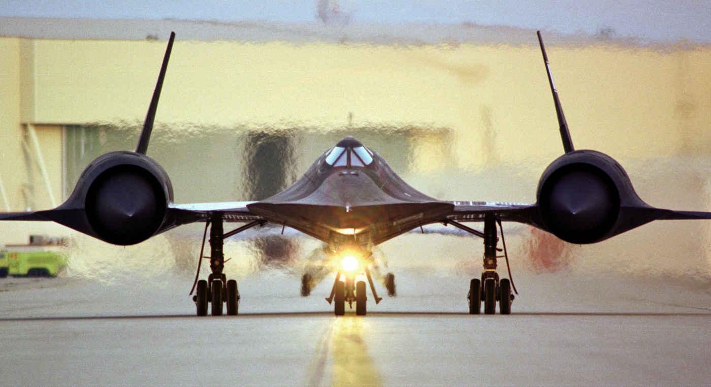 Lockheed SR-71 Blackbird, preparing for take-off