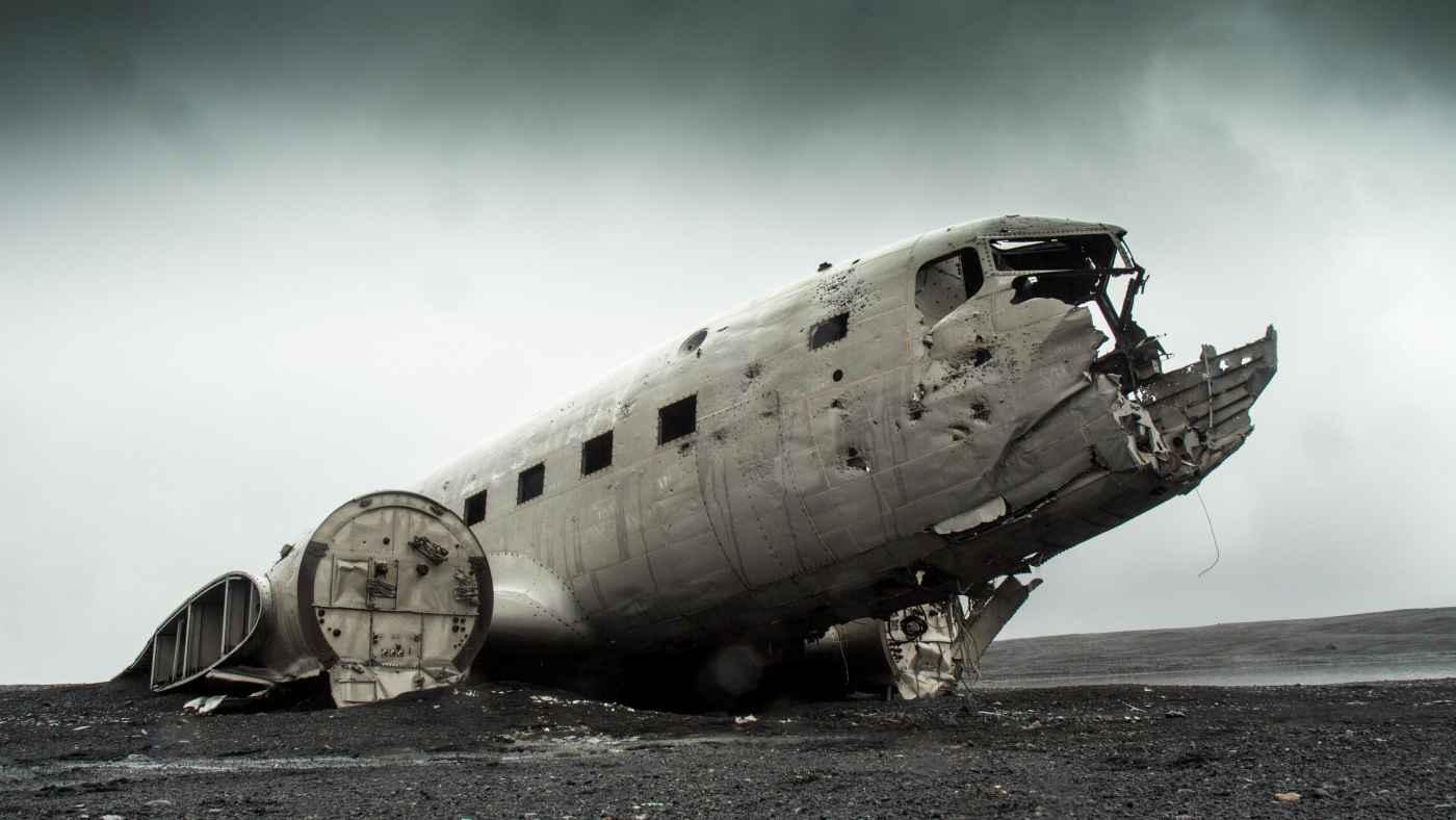 decaying aircraft