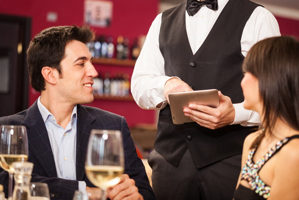 Misafirlerin Hoşlanmadığı Garson Davranışları