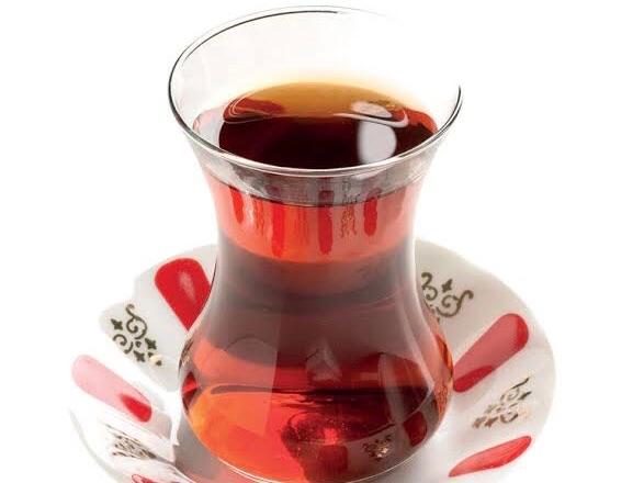 Günde Üç Yüz Çay Satsam!