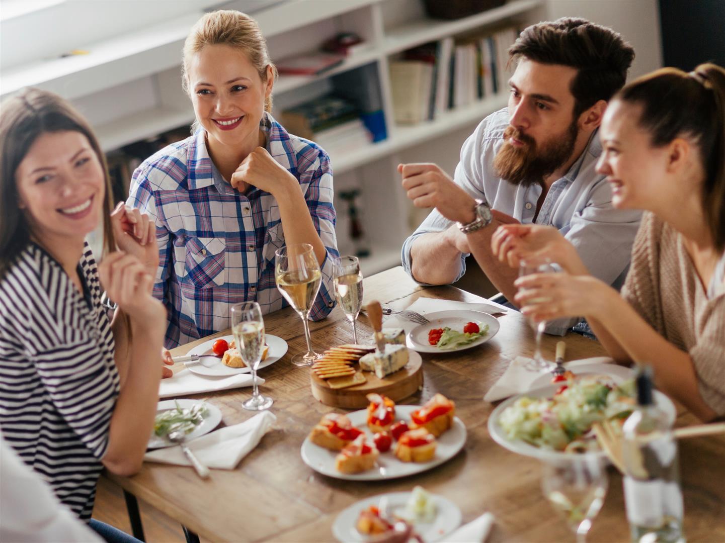Yemekte Yemek Konuş