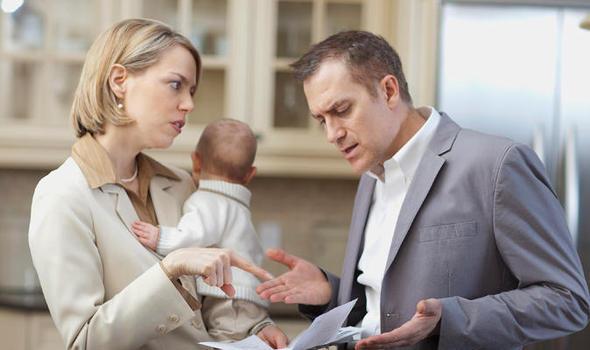 Обязательно ли прописывать супруга в квартире после свадьбы?