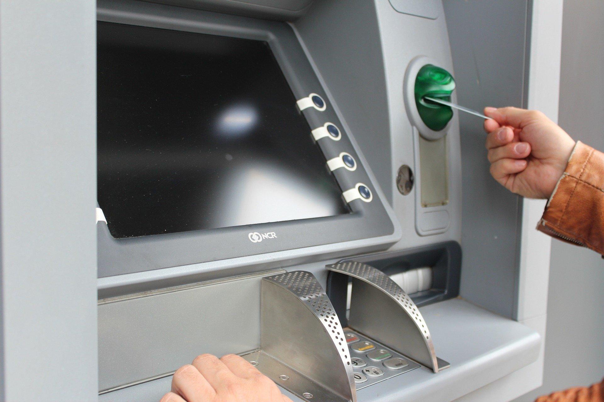 Как нужно оплачивать ЖКХ через Сбербанк Онлайн?