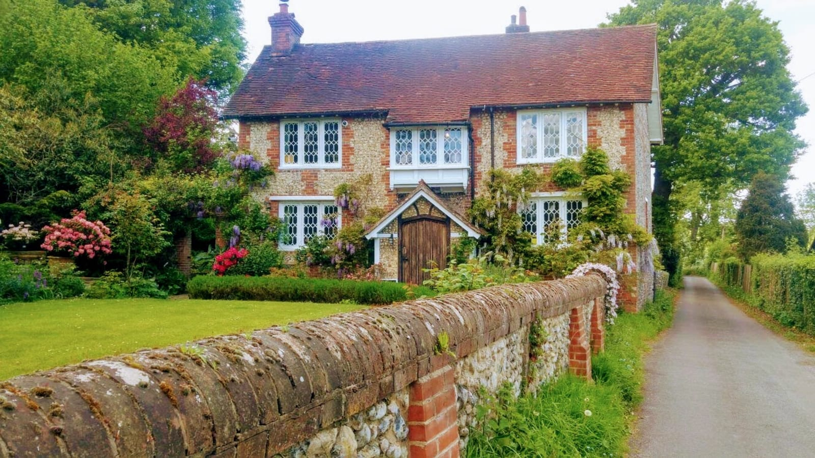 Picturesque Quaint Cottage in a Small English Village
