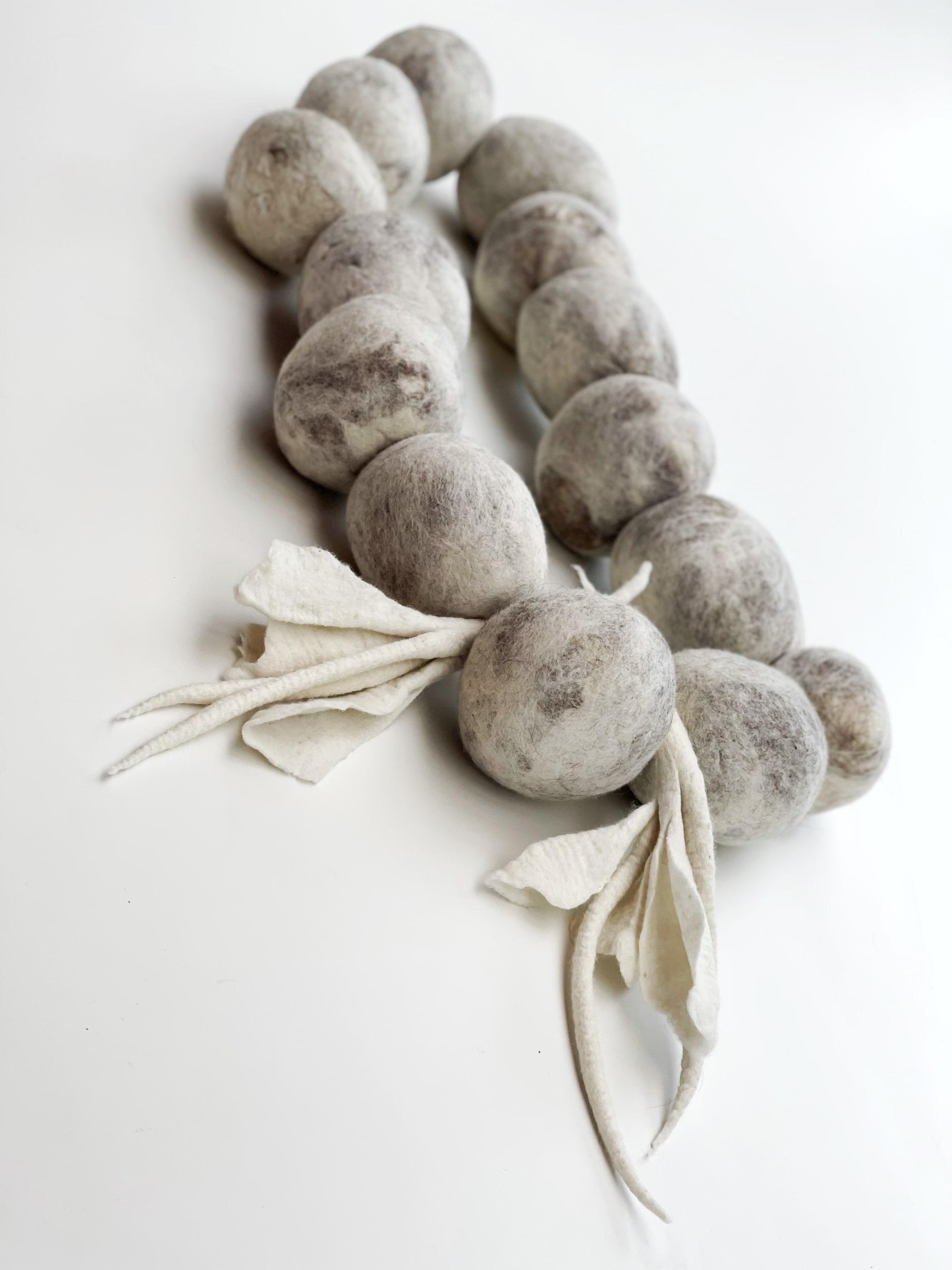 """Ines Schertel ""Tchuco"" table wool necklace detail"""
