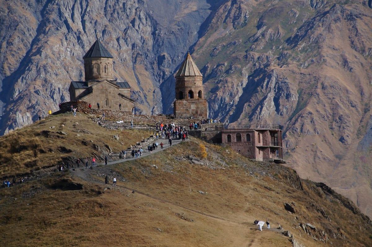 Gergeti Trinity Kirche von vor dem Kazbek