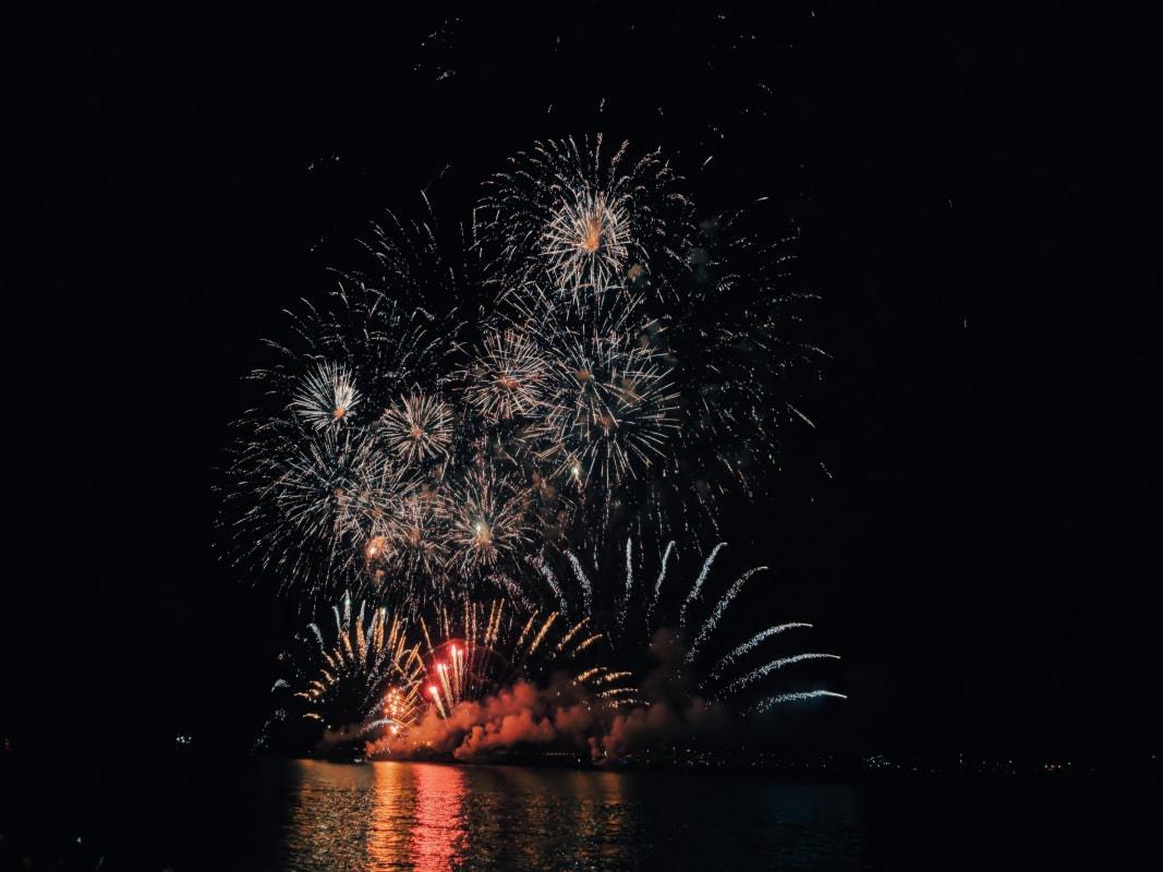 Feuerwerk in Lissabon zu Silvester