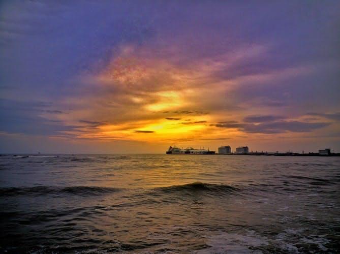 Beaufitul sunset at the ocean at Fort Kochi
