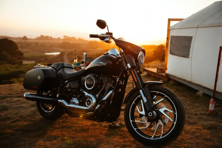 choose the right motorbike for your motorcycle travel