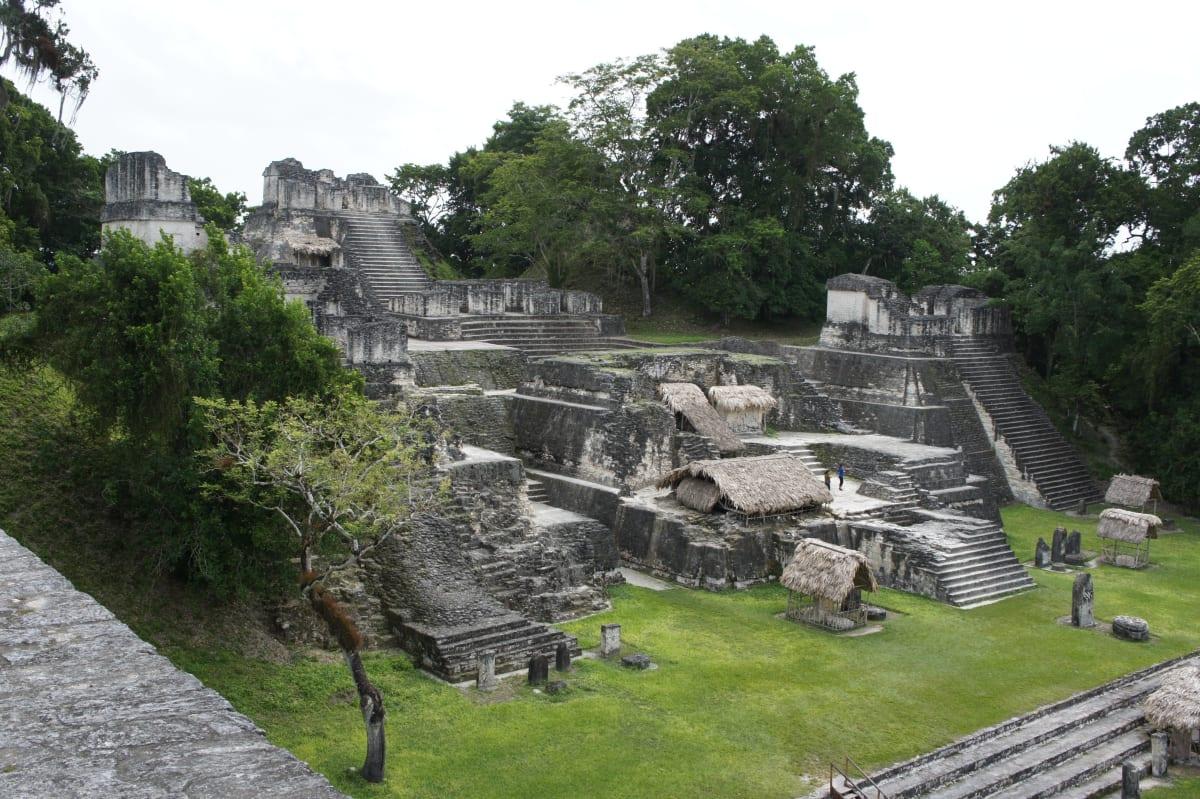 Maya-Ruinen in Guatemala sind optimal für einen Urlaub im Winter