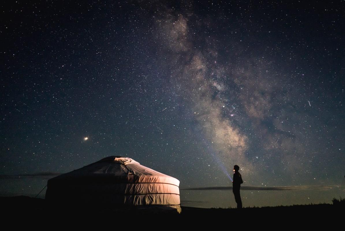 Abenteuer Reisen - Mongolei - Zelt bei Nacht - Reiten