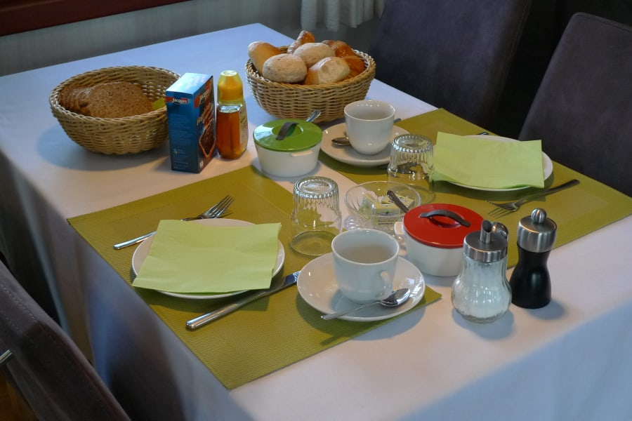 Breakfast on Barge Johanna