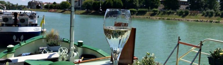 champagne mini cruise